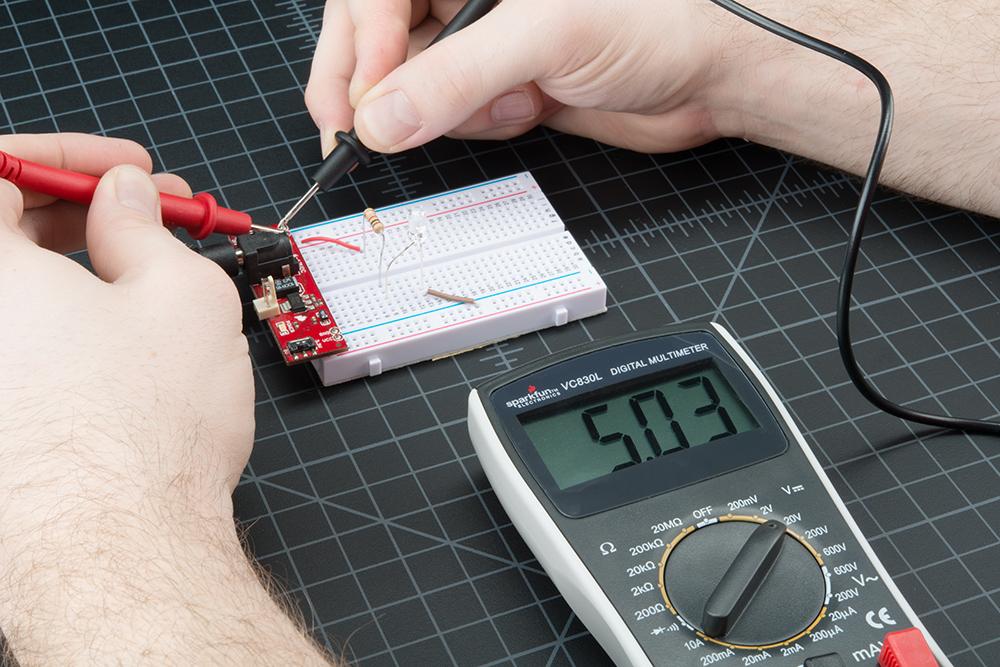 peralatan teknisi listrik